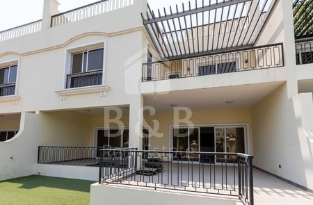 12 Cheques - Excellent 4 Bedroom Townhouse - Maids Room