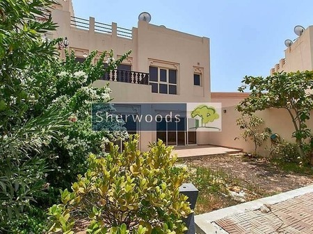 Well Maintained Spacious Walk to Pool & Mall