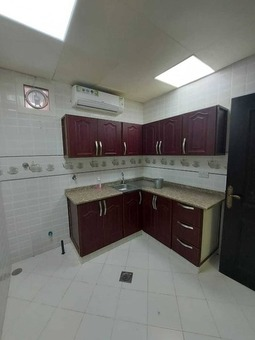 Excellent 2 Bedrooms Hall 2 Bathrooms with Kitchen with covered Parking