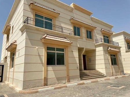 Modern Style!! 4 Br Villa With Shared Pool And Private Backyard And Proper Big Kitchen in Khalifa City A