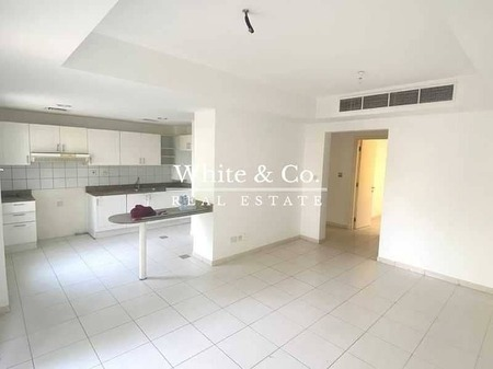 Bright And Welcoming 4M | Close To Souk | Park And Pool View