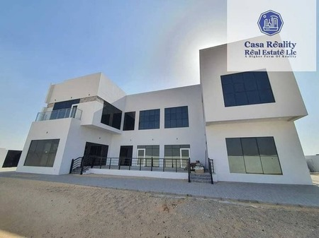 Stylish Brand New 5 Br villa for Rent in Al Aweer