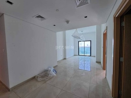 Amazing 1 bedrooms   Different Layouts  Closed Kitchen  Great View   Grab Your Keys Now!!!