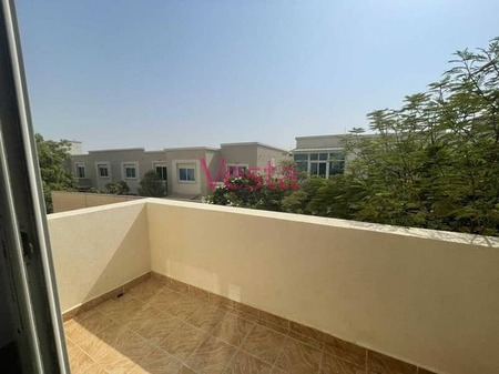 Budget smart, well maintained, private garden, park, facilities, parking