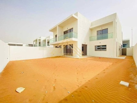 Hurry! Reduced Price   Exclusive 5 Br Villa   Adjacent to Golf Course