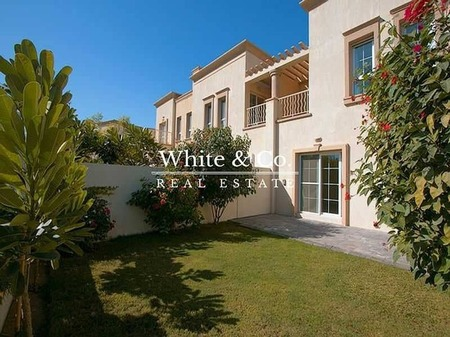Lakeview Villa Spring 6 / 4M 2Br + Study Available now
