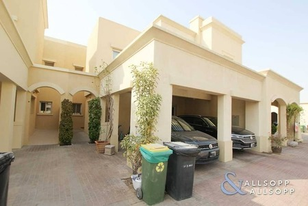 3 Bed Type 1M | Upgraded | Well Maintained