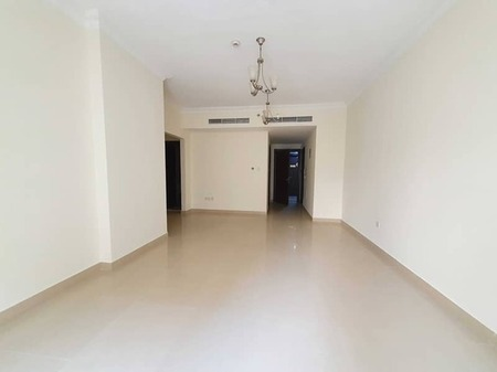 60 day's free Spacious 2badroom with balcony wardrobes parking