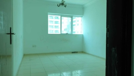 No commission 2bhk with one month free +balcony wardrobe close to day to day rent only Aed 28k