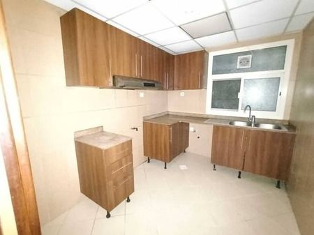 2-Br Unit Vecant Close To Dubai Sharjah Border With One Month Free