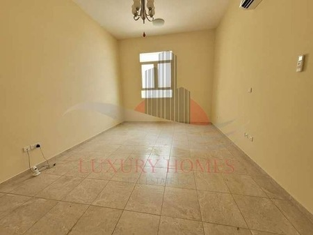 Neat And Clean With Basement Parking Near Tawam